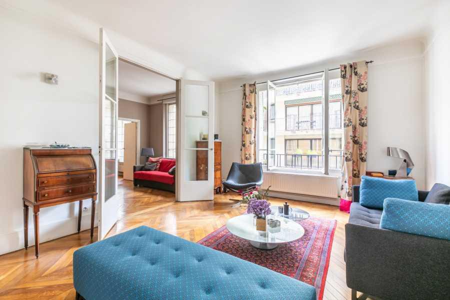 Paris  - Appartement 6 Pièces 4 Chambres
