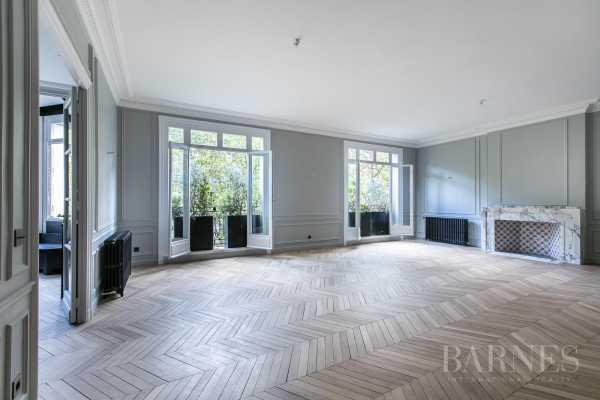 Apartment Paris 75016  -  ref 2574488 (picture 1)