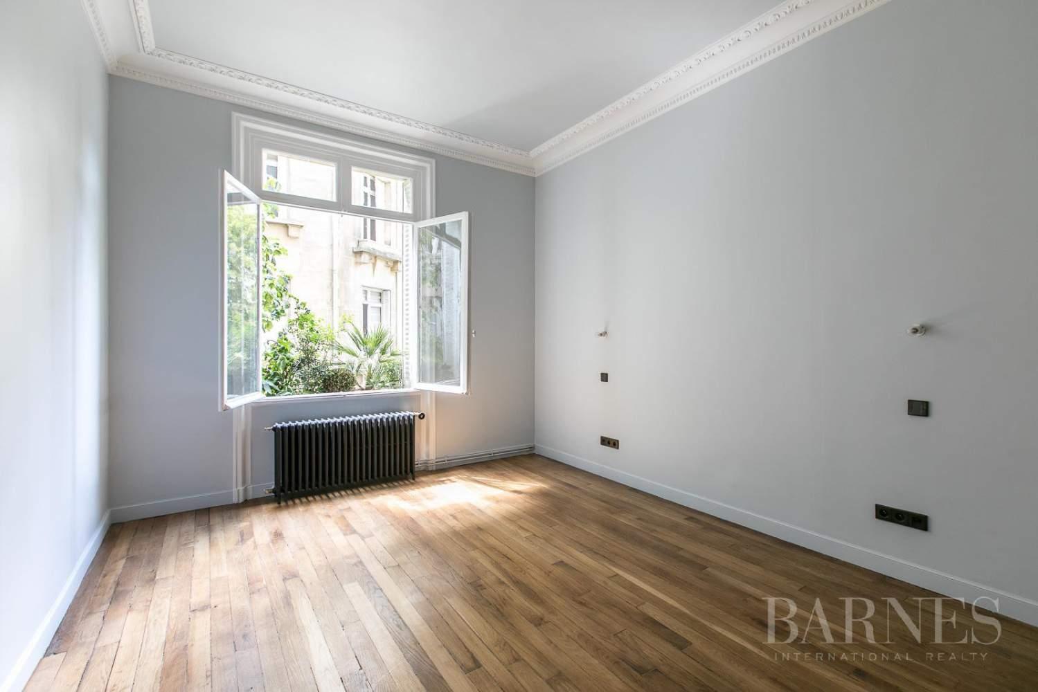 Paris  - Appartement 7 Pièces 5 Chambres - picture 15