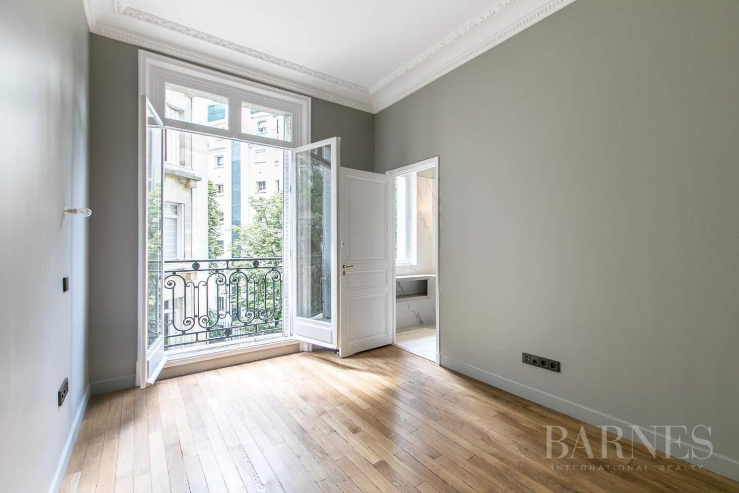 Paris  - Appartement 7 Pièces 5 Chambres - picture 17