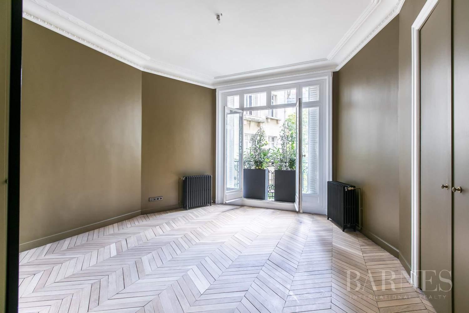 Paris  - Appartement 7 Pièces 5 Chambres - picture 9