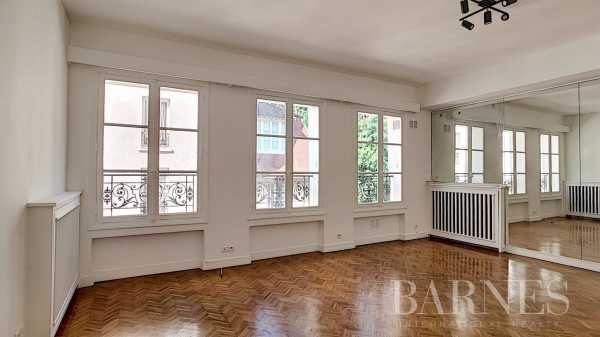 Appartement Paris 75018  -  ref 4083133 (picture 2)