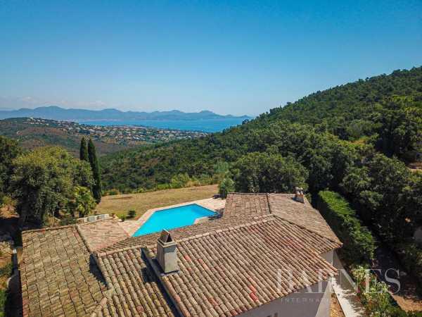 Villa Les Issambres  -  ref 5837038 (picture 1)