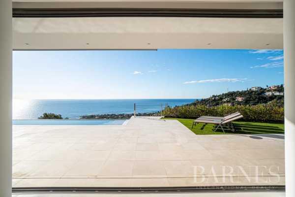 Villa Les Issambres  -  ref 5513854 (picture 1)
