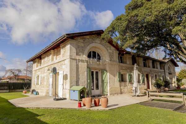 Maison de village Carbon-Blanc  -  ref 4809497 (picture 1)