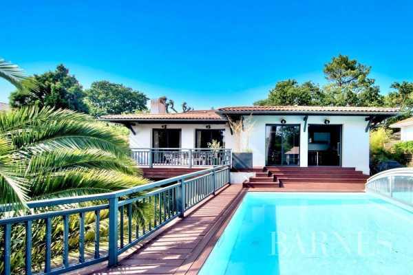 Villa Arcachon  -  ref 4068222 (picture 1)