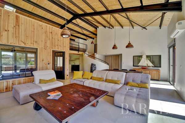 Villa Arès  -  ref 3943541 (picture 1)