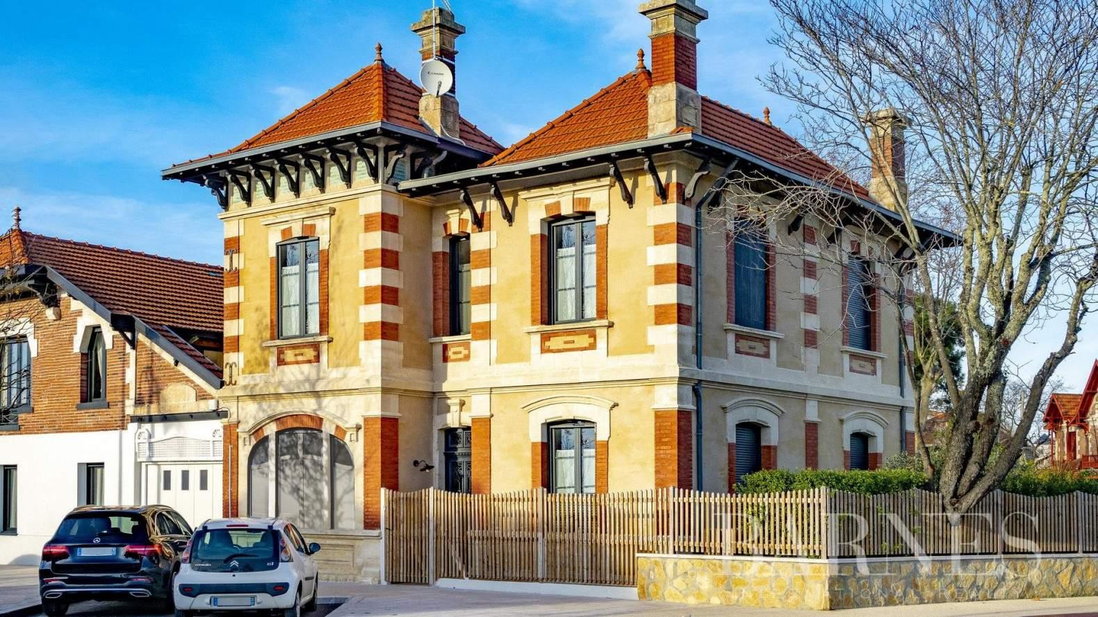 Arcachon  - Maison 5 Pièces - picture 1