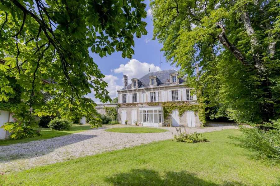 Bordeaux  - Maison 11 Pièces 6 Chambres