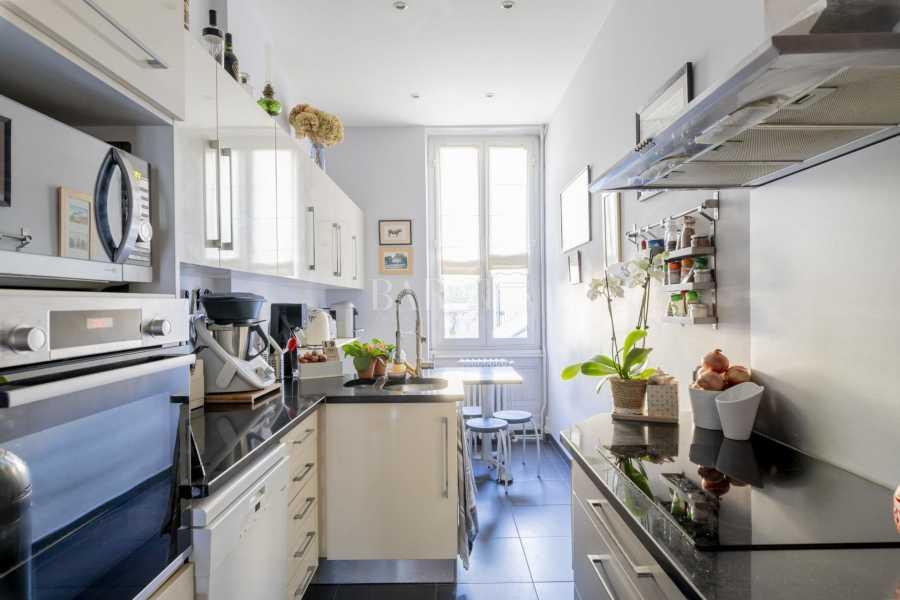 Bordeaux  - Maison 9 Pièces 5 Chambres
