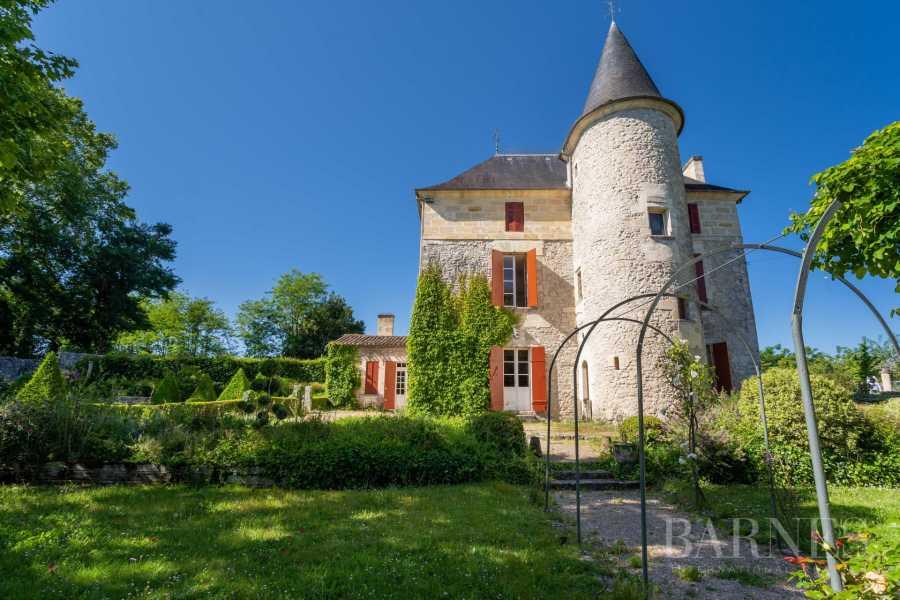 Bordeaux  - Propriété 9 Pièces