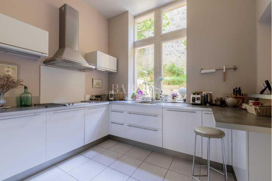 Bordeaux  - Maison 9 Pièces 4 Chambres