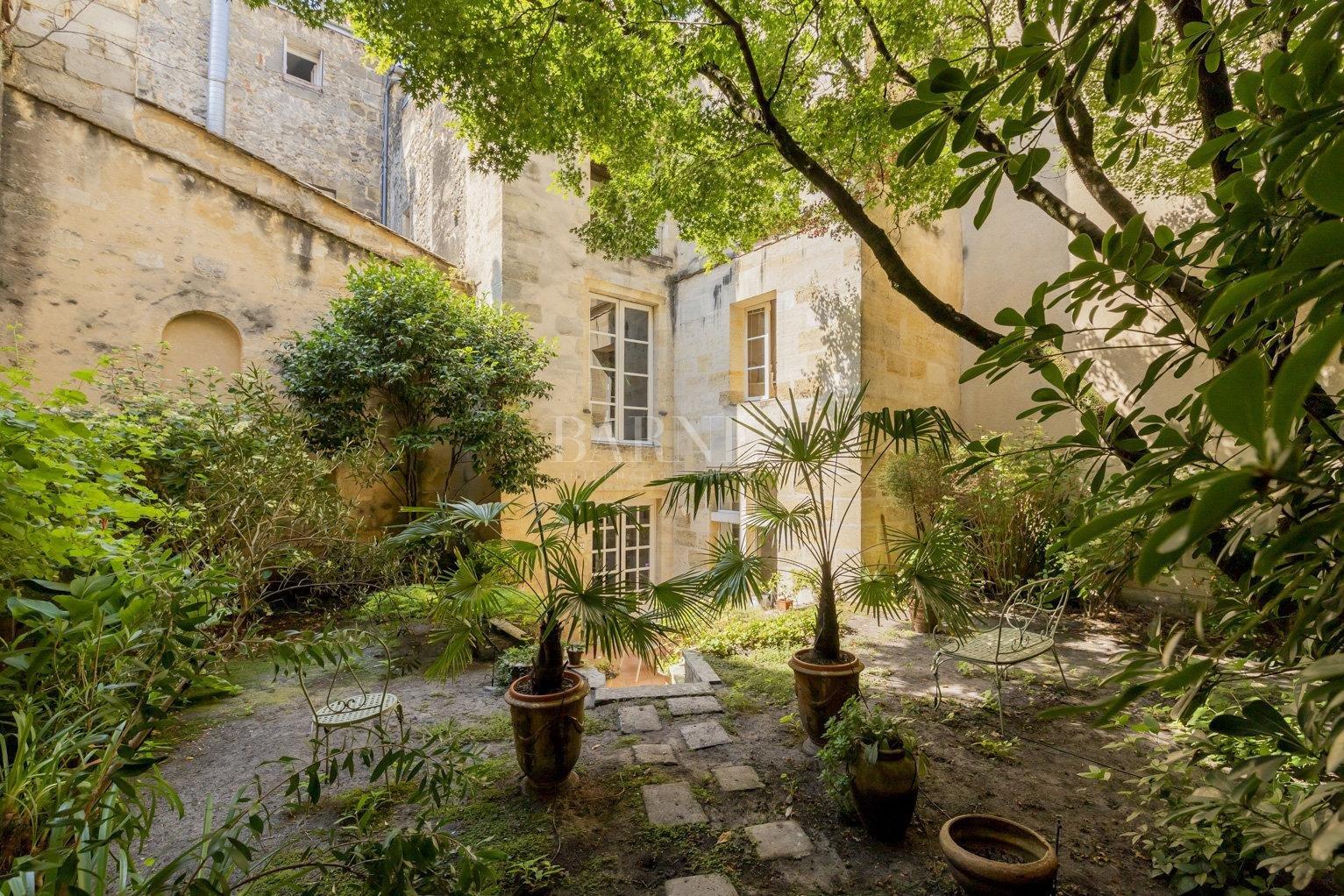 Bordeaux  - Maison 9 Pièces 4 Chambres - picture 2