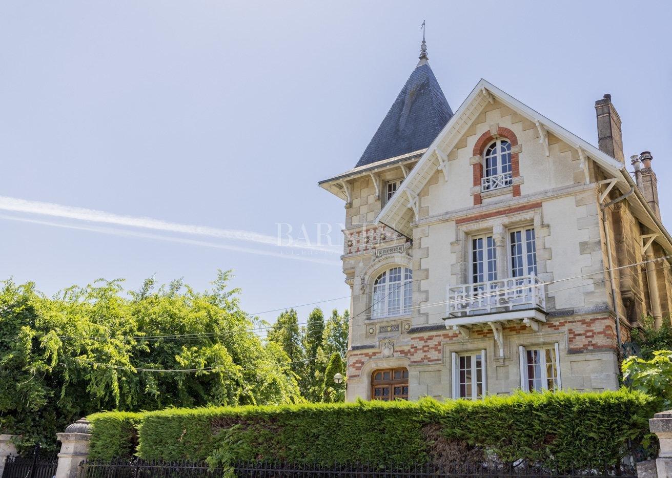 Bordeaux  - Maison 10 Pièces 6 Chambres - picture 1