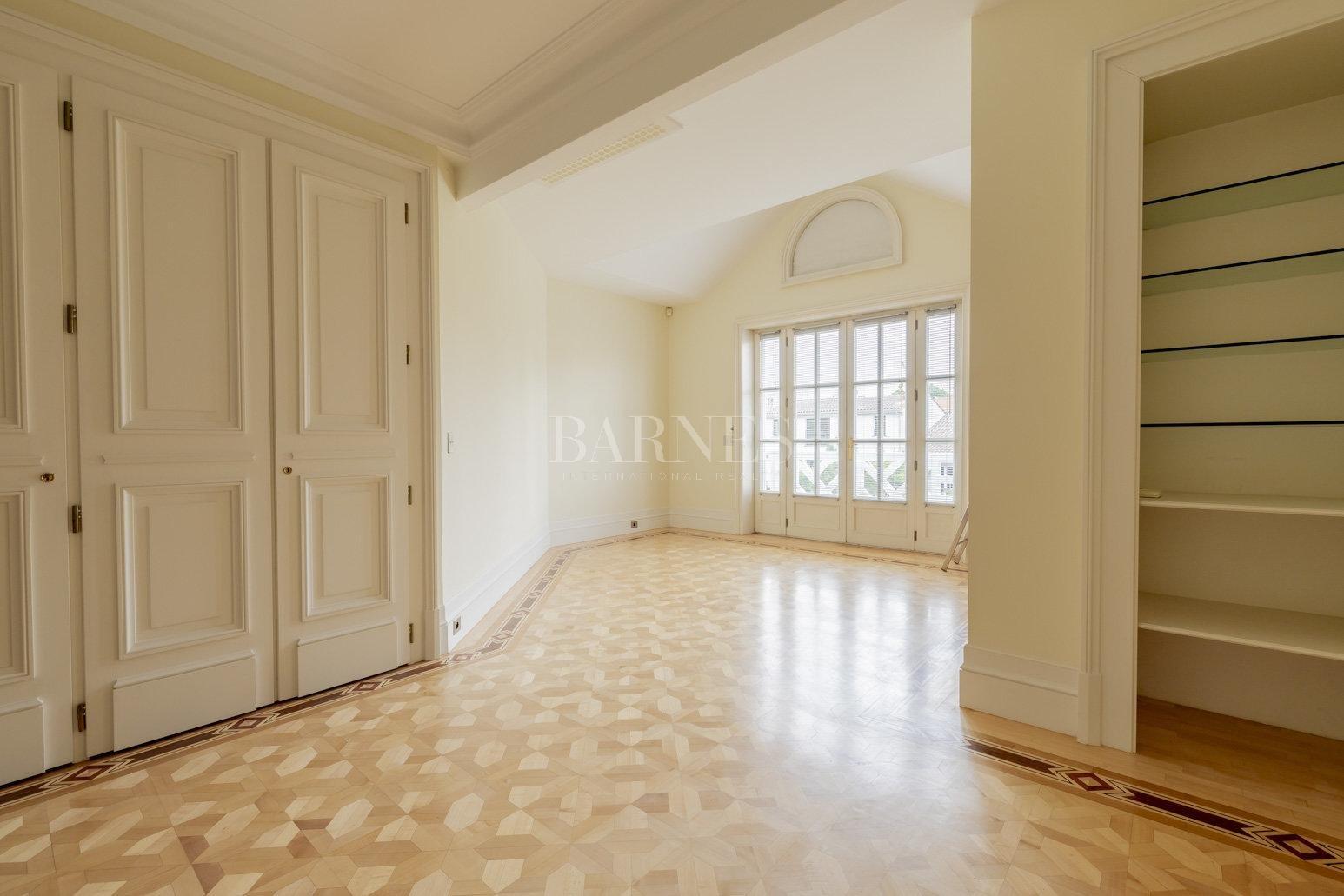 Bordeaux  - Maison 10 Pièces 3 Chambres - picture 14