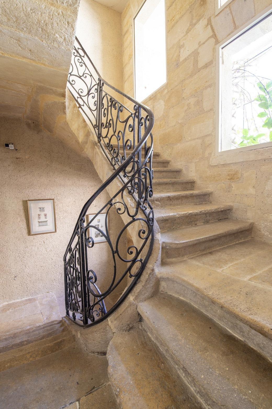 Bordeaux  - Maison 9 Pièces 4 Chambres - picture 11