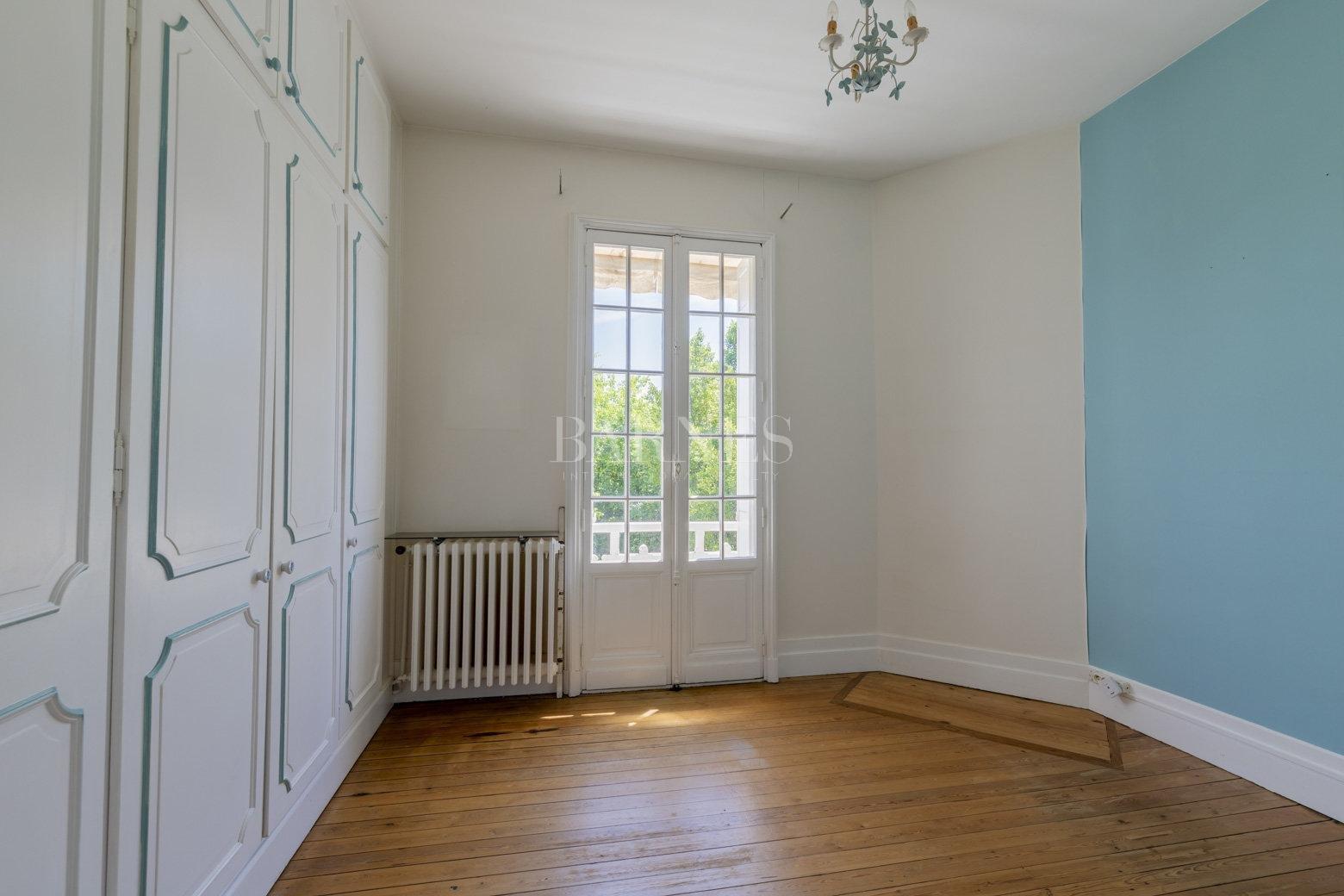 Bordeaux  - Maison 10 Pièces 6 Chambres - picture 12