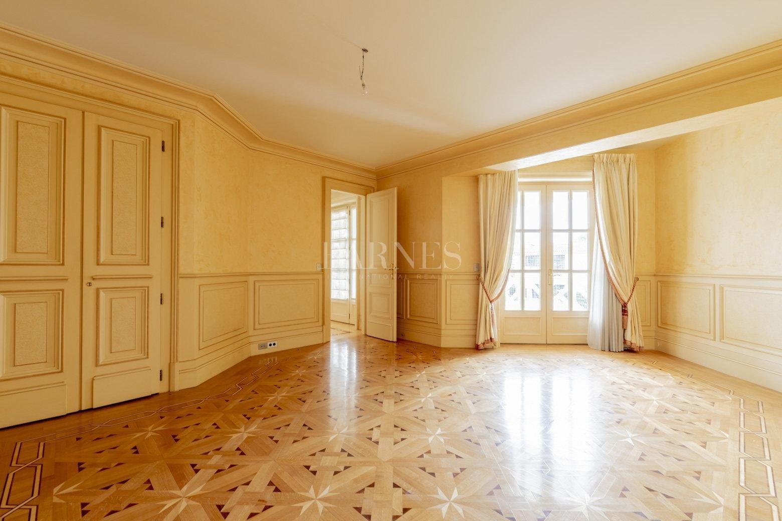 Bordeaux  - Maison 10 Pièces 3 Chambres - picture 9