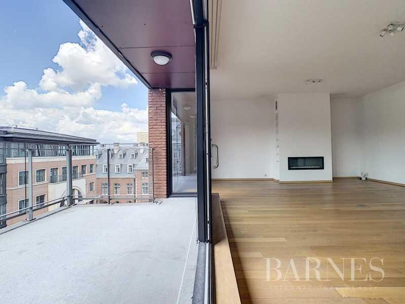 Bruxelles  - Appartement 8 Pièces 3 Chambres