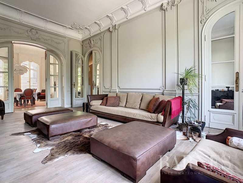 Ixelles  - Maison 20 Pièces 6 Chambres