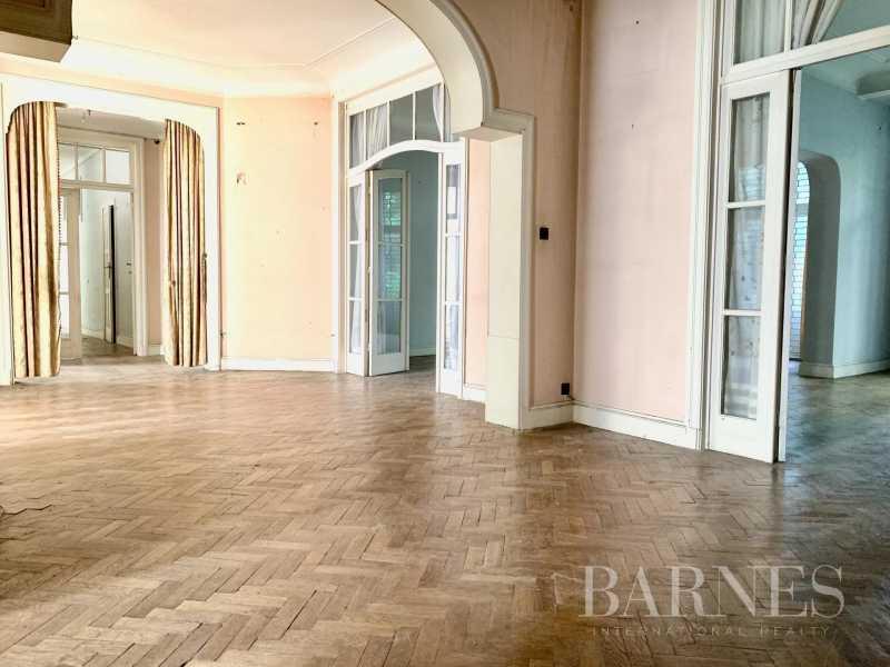 Saint-Gilles  - Appartement 11 Pièces 5 Chambres