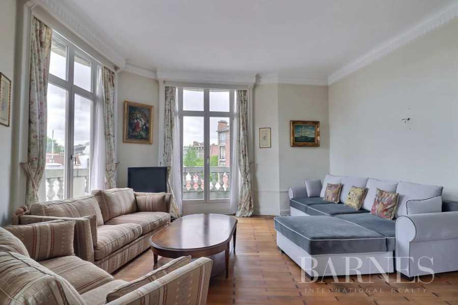 Ixelles  - Appartement 5 Pièces 4 Chambres