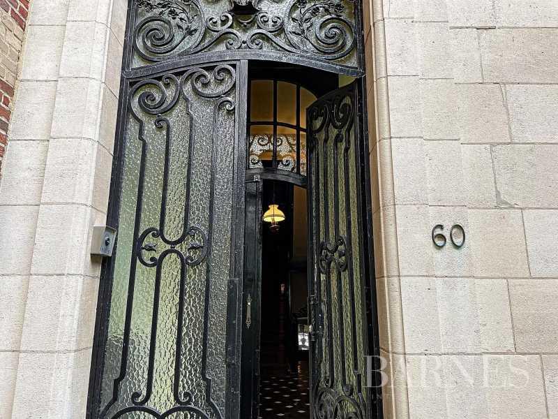 Uccle  - Maison 16 Pièces 5 Chambres