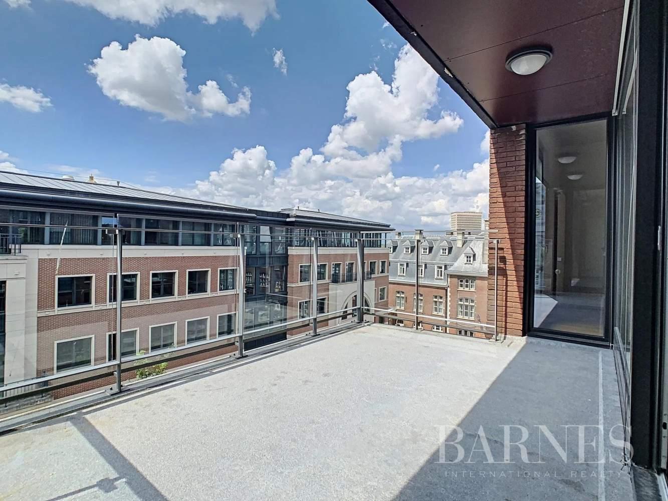 Bruxelles  - Appartement 8 Pièces 3 Chambres - picture 4