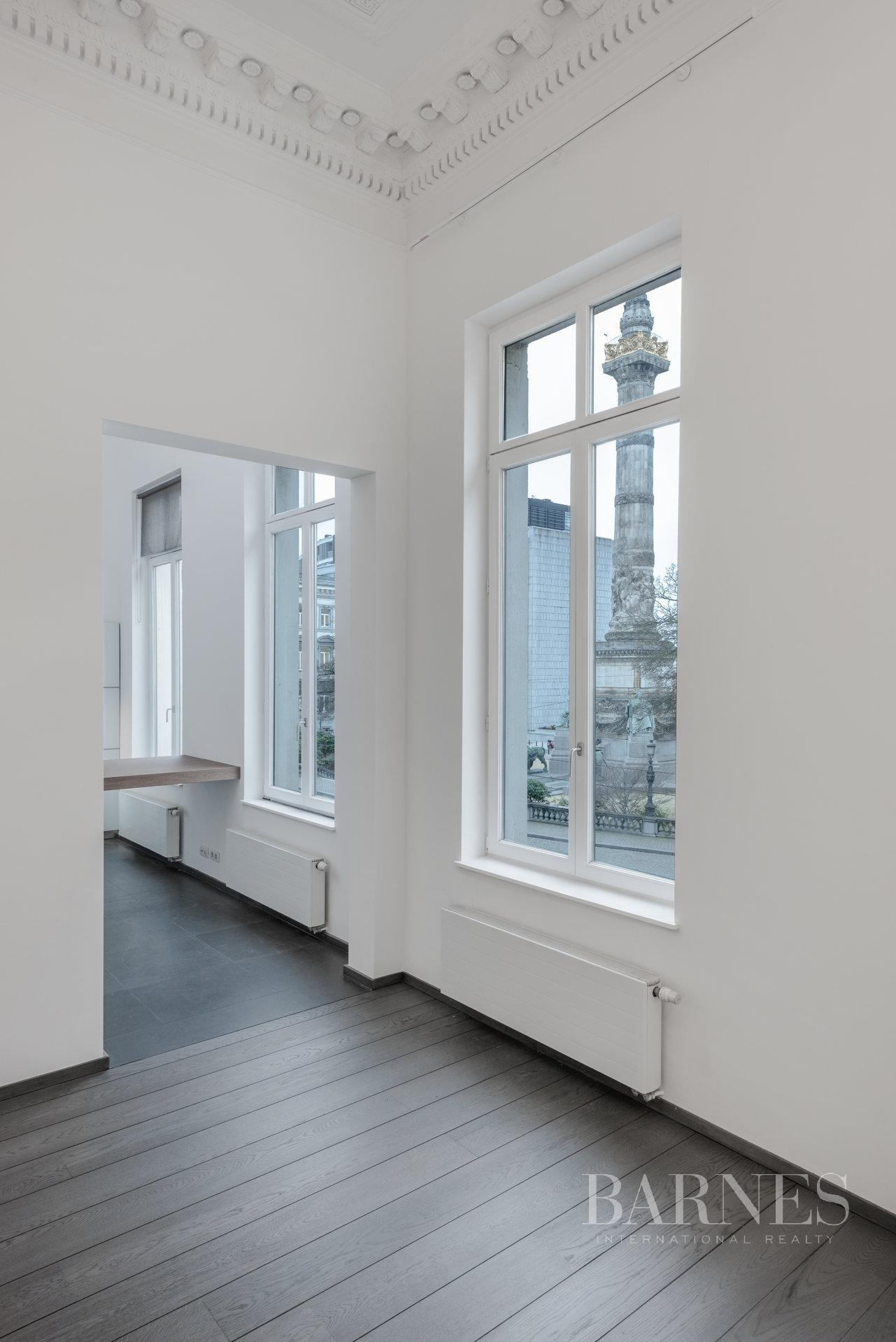 Bruxelles  - Appartement 12 Pièces 4 Chambres - picture 10