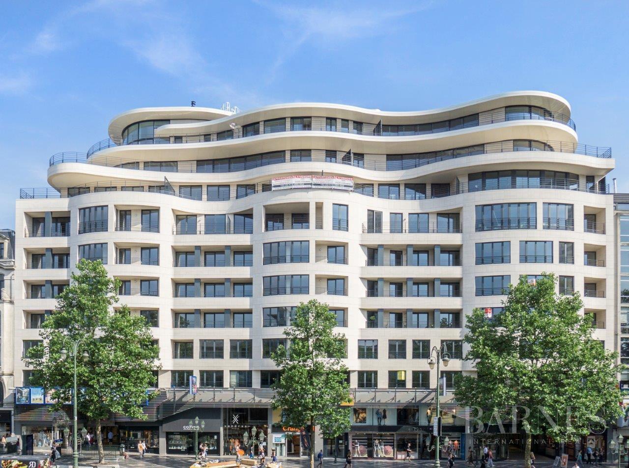 Ixelles  - Appartement 6 Pièces 3 Chambres - picture 1
