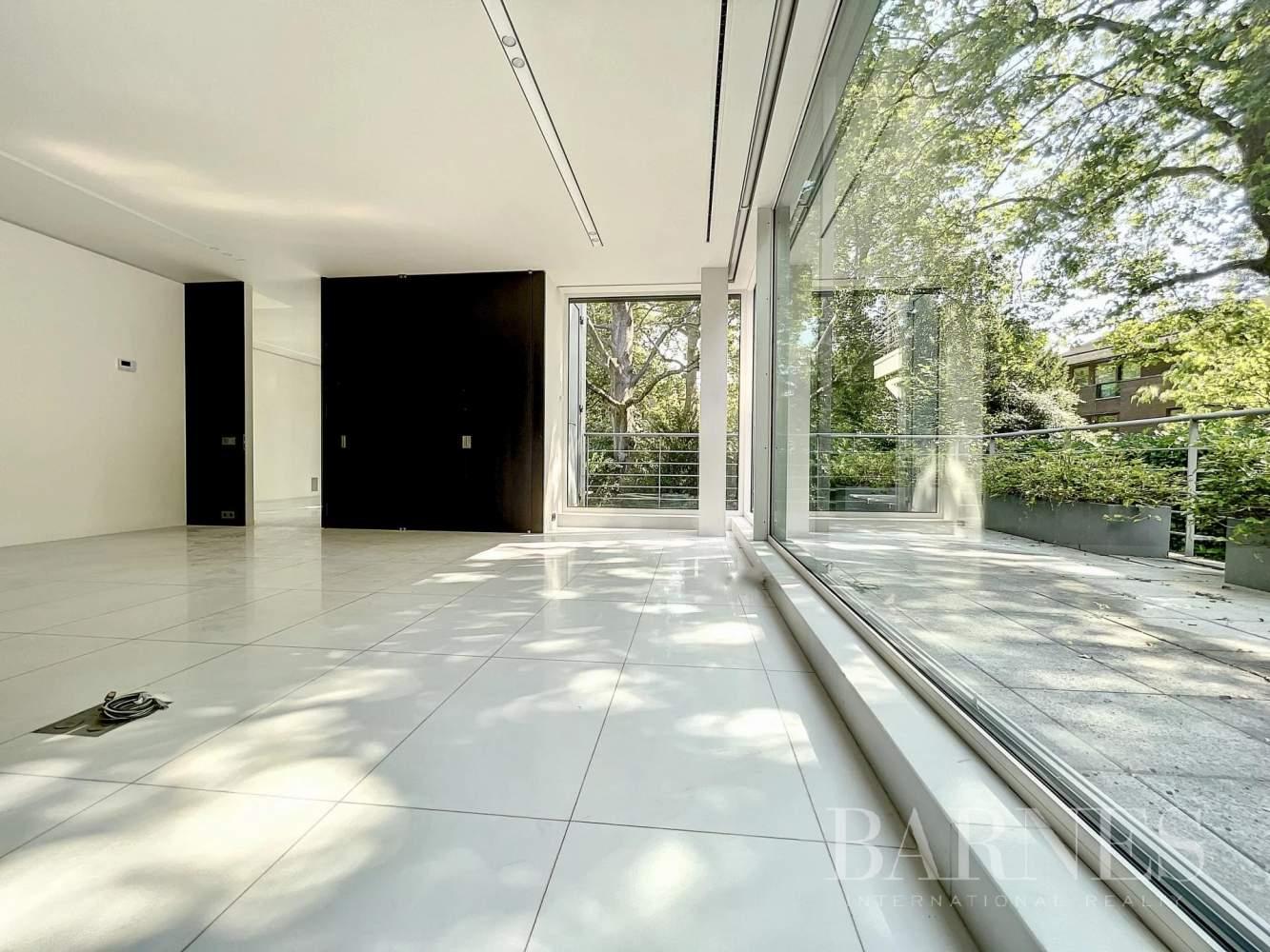 Uccle  - Appartement 10 Pièces 2 Chambres - picture 2