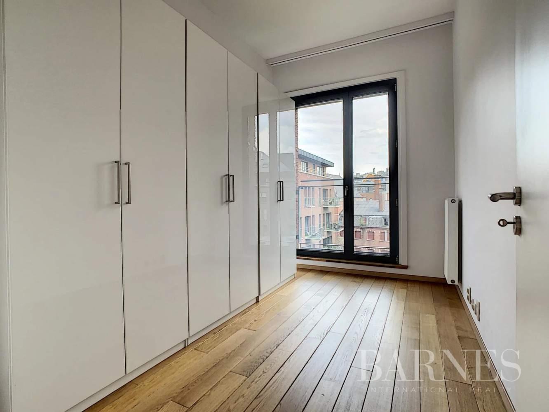 Bruxelles  - Appartement 8 Pièces 3 Chambres - picture 13