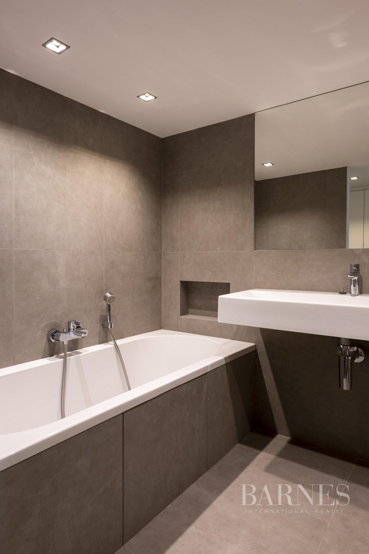 Bruxelles  - Appartement 12 Pièces 4 Chambres - picture 19
