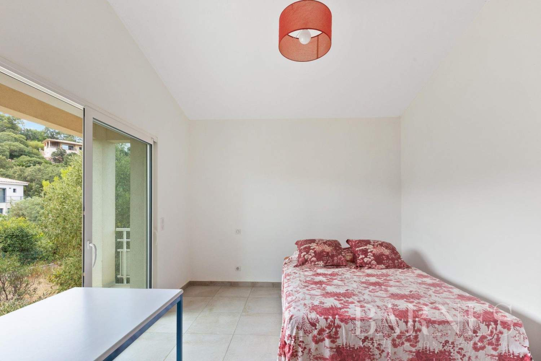 Sainte-Lucie-de-Porto-Vecchio  - Villa 6 Pièces 5 Chambres - picture 6