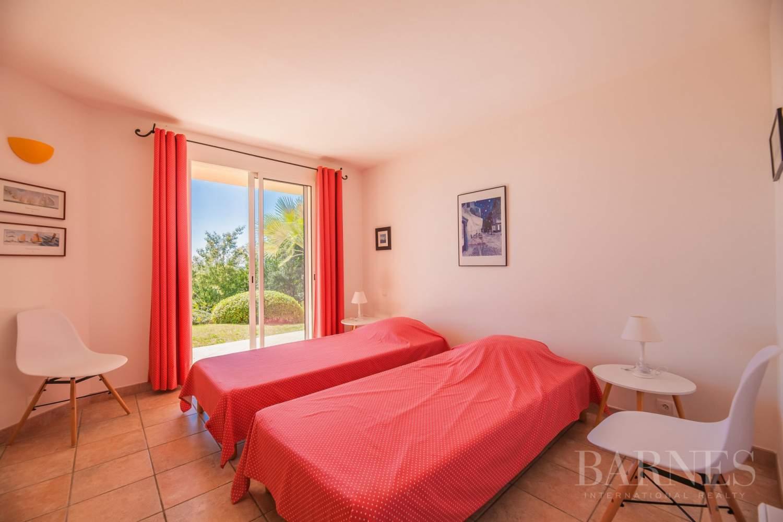 Sainte-Lucie-de-Porto-Vecchio  - Villa 7 Pièces 5 Chambres - picture 6