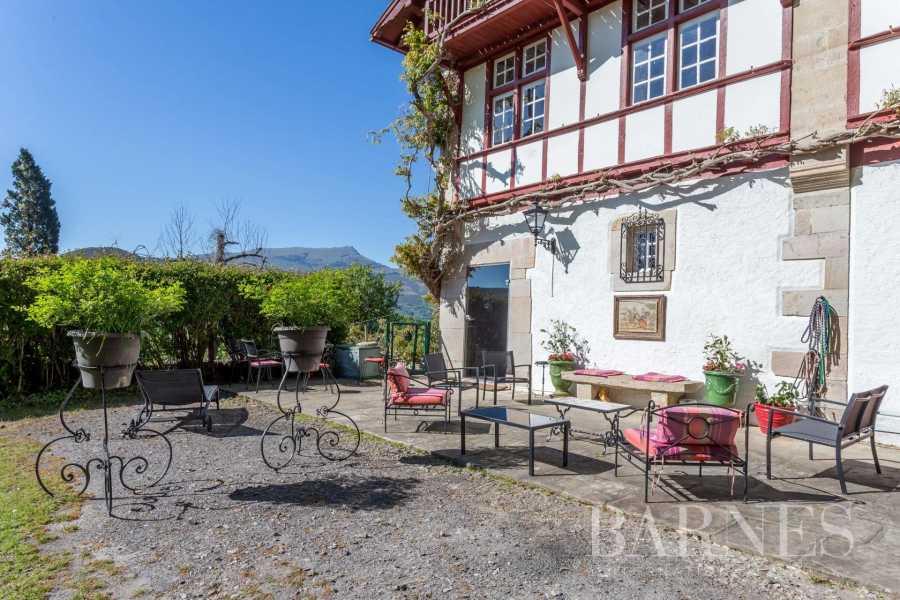 Saint-Pée-sur-Nivelle  - Maison 10 Pièces 7 Chambres