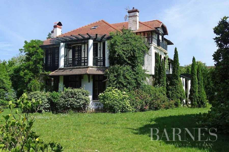 Biarritz  - Maison 13 Pièces 9 Chambres
