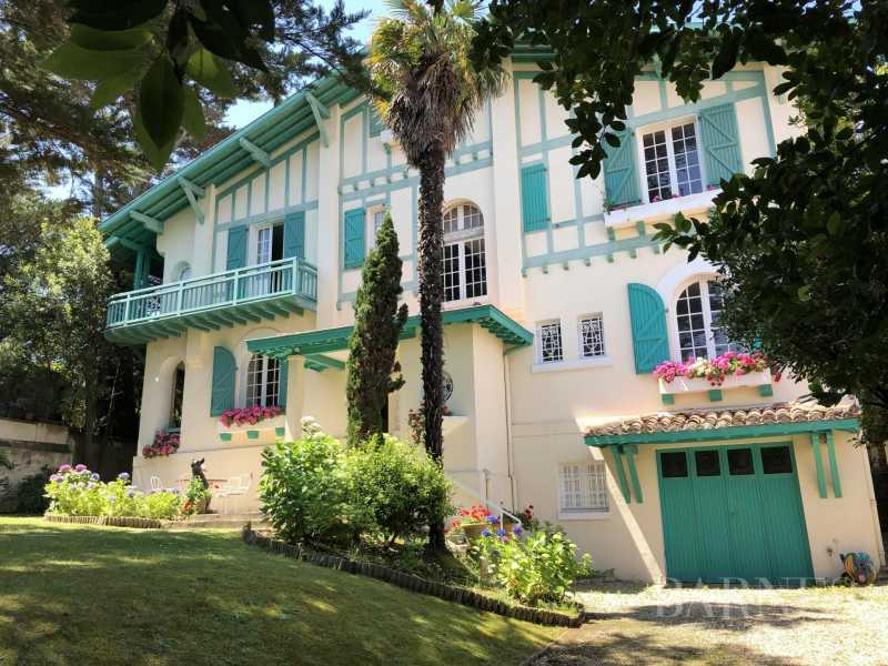 BIARRITZ, HOUSE WITH GARDEN AND POOL, 6 BEDROOMS, HEATED POOL. 10 PEOPLE. picture 19