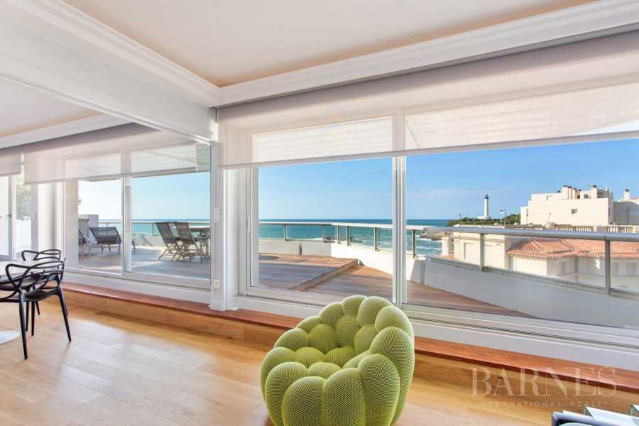 BIARRITZ MIRAMAR, FACING THE SEA, APARTMENT WITH TERRACE, OCEAN AND LIGHT HOUSE VIEW picture 13