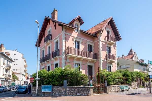 Biarritz  - Maison de ville 12 Pièces 8 Chambres