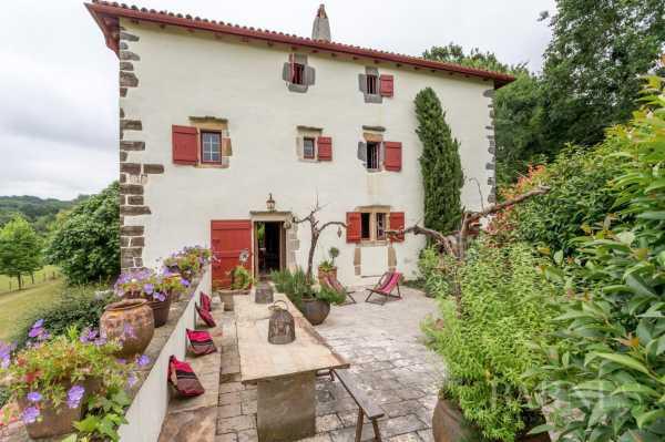 Maison Saint-Pée-sur-Nivelle - Ref 2703653
