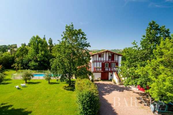 Maison Saint-Pée-sur-Nivelle  -  ref 3718894 (picture 1)