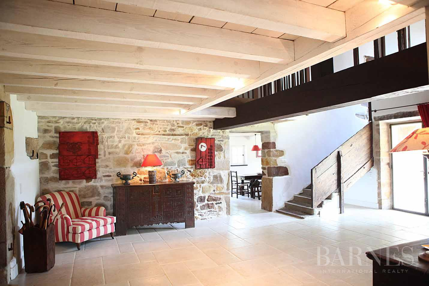 SARE, 20 MINUTES FROM SAINT JEAN DE LUZ, BASQUE STYLE FARMHOUSE WITH HEATED POOL, PANORAMIC MOUNTAIN VIEW picture 9