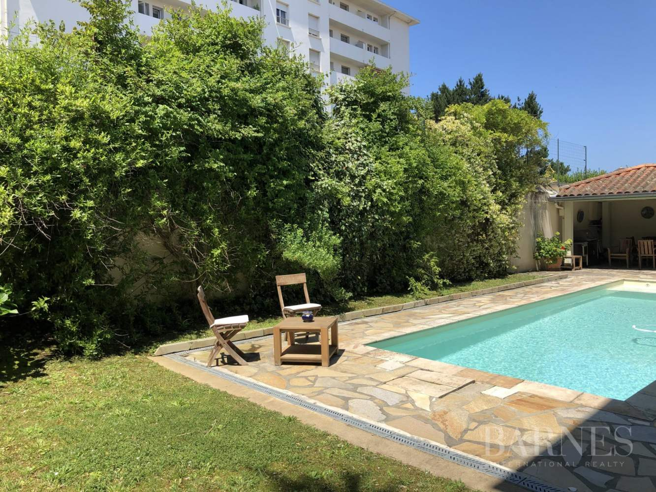BIARRITZ, HOUSE WITH GARDEN AND POOL, 6 BEDROOMS, HEATED POOL. 10 PEOPLE. picture 3