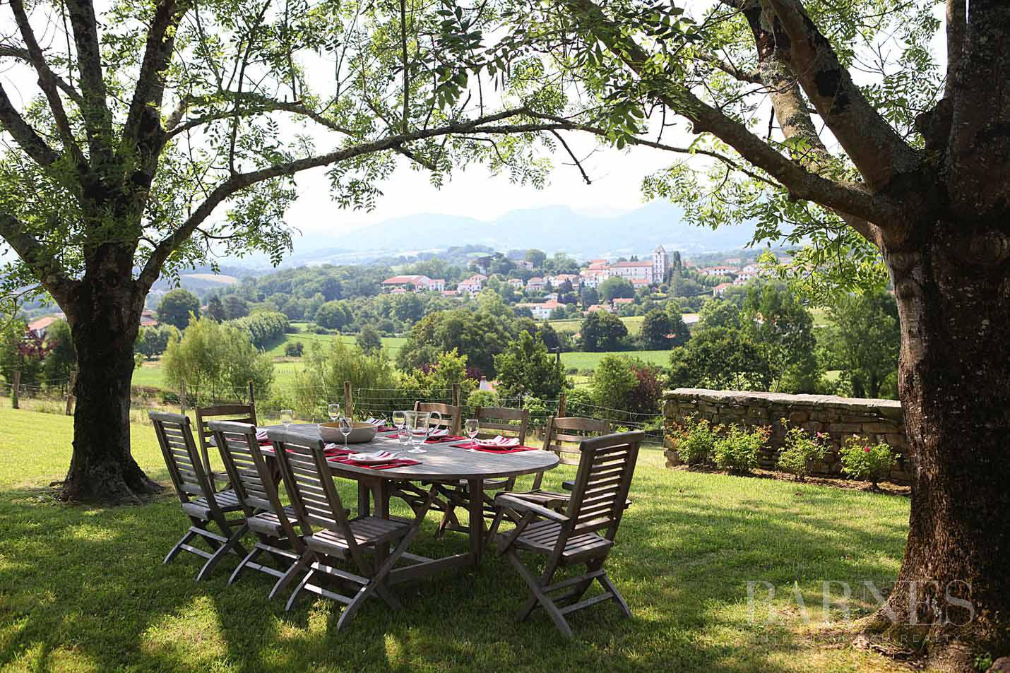 SARE, 20 MINUTES FROM SAINT JEAN DE LUZ, BASQUE STYLE FARMHOUSE WITH HEATED POOL, PANORAMIC MOUNTAIN VIEW picture 1