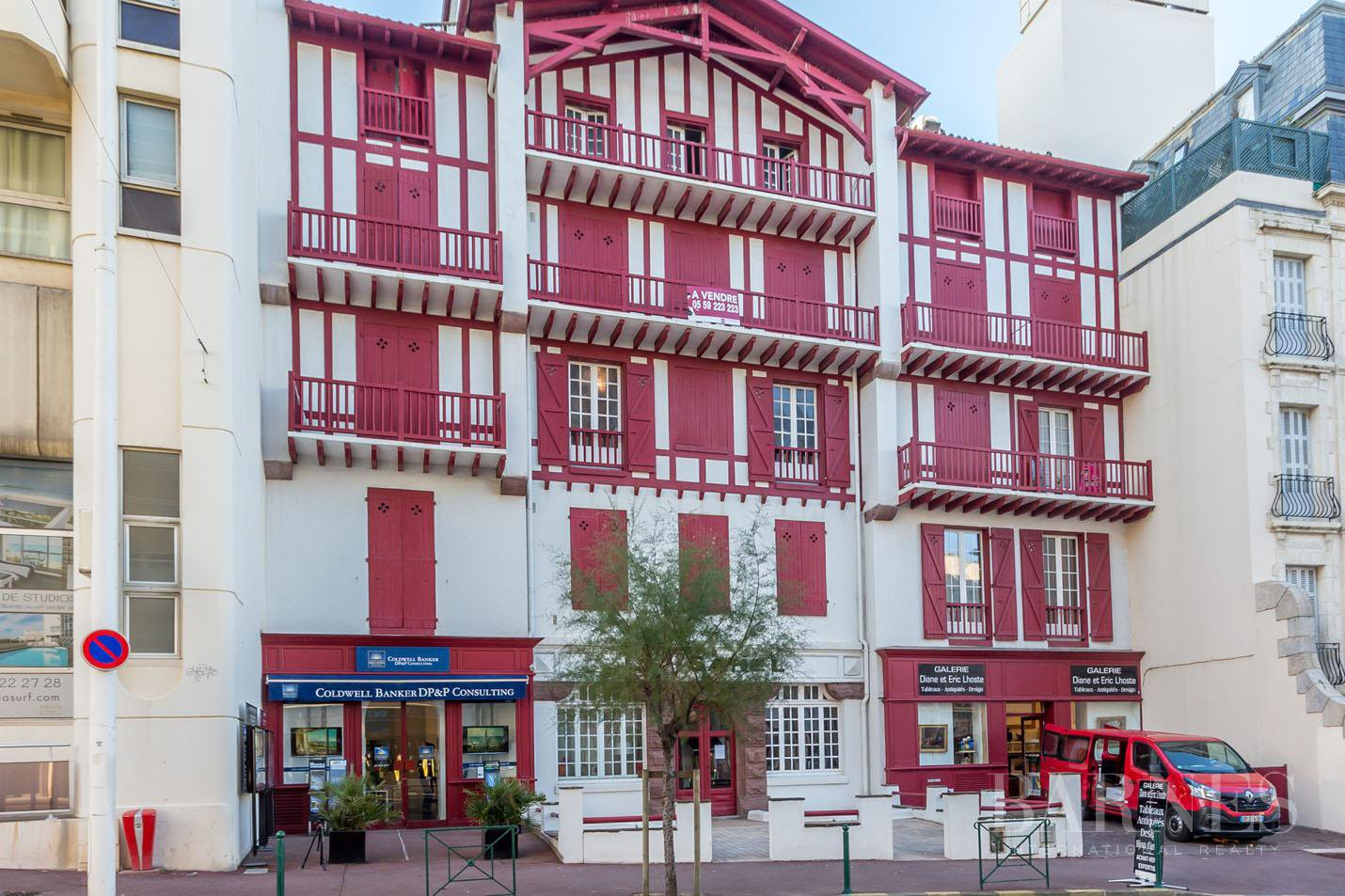 IN THE HEART OF BIARRITZ RENOVATED APARTMENT WITH VIEWS OF THE SEA, SUMMER RENT FOR 4 PEOPLE picture 12