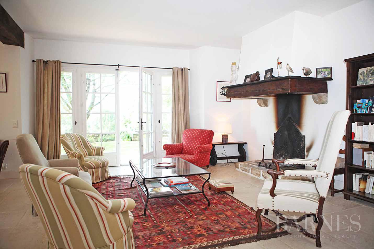 SARE, 20 MINUTES FROM SAINT JEAN DE LUZ, BASQUE STYLE FARMHOUSE WITH HEATED POOL, PANORAMIC MOUNTAIN VIEW picture 10