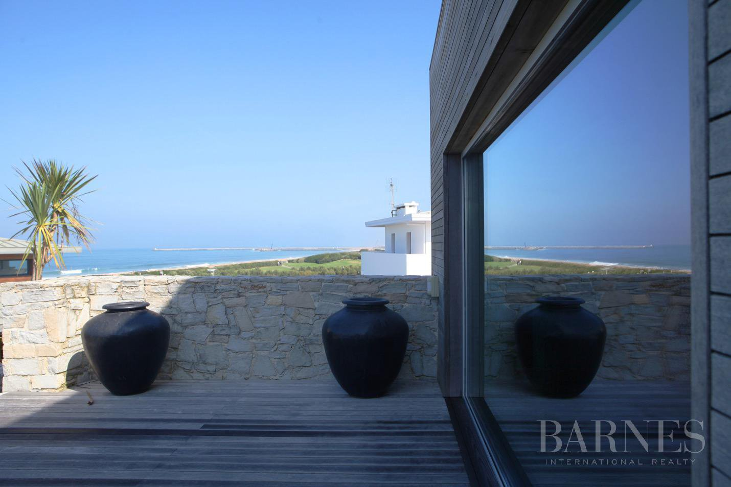 Exceptional contemporary house overlooking the sea, direct access to the beach, swimming-pool terrace sea view, hammam, 5 minutes from Biarritz, Anglet beach by walk, for rent picture 15