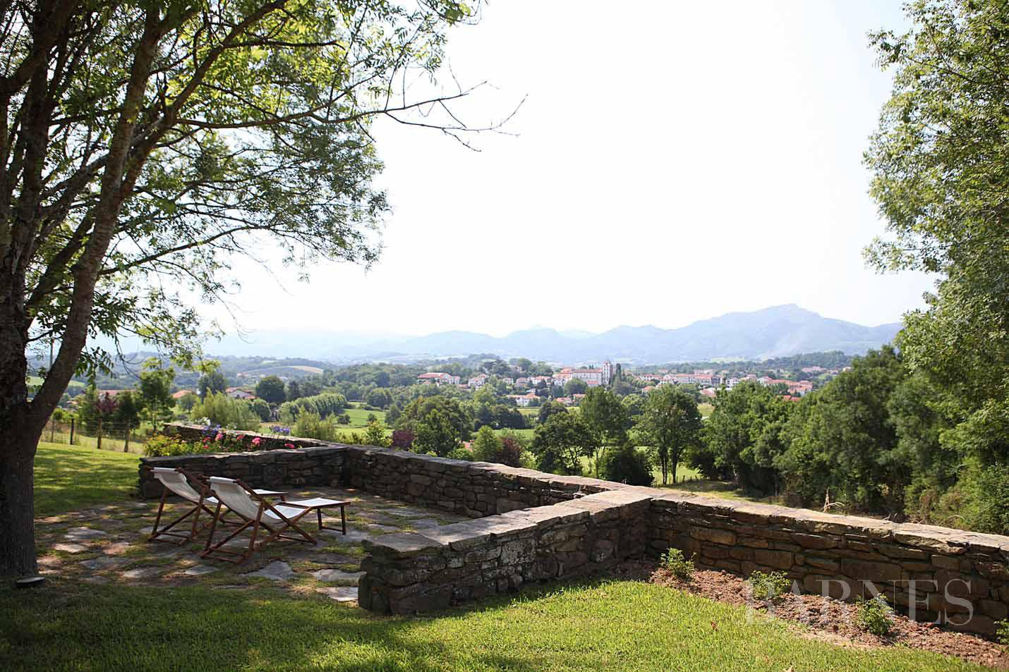 SARE, 20 MINUTES FROM SAINT JEAN DE LUZ, BASQUE STYLE FARMHOUSE WITH HEATED POOL, PANORAMIC MOUNTAIN VIEW picture 2