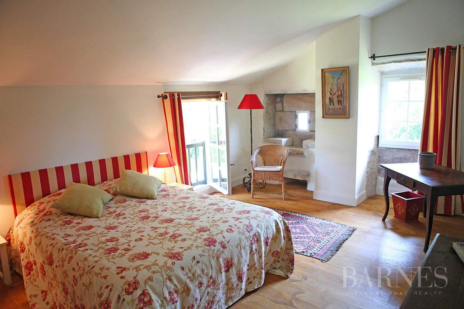 SARE, 20 MINUTES FROM SAINT JEAN DE LUZ, BASQUE STYLE FARMHOUSE WITH HEATED POOL, PANORAMIC MOUNTAIN VIEW picture 14